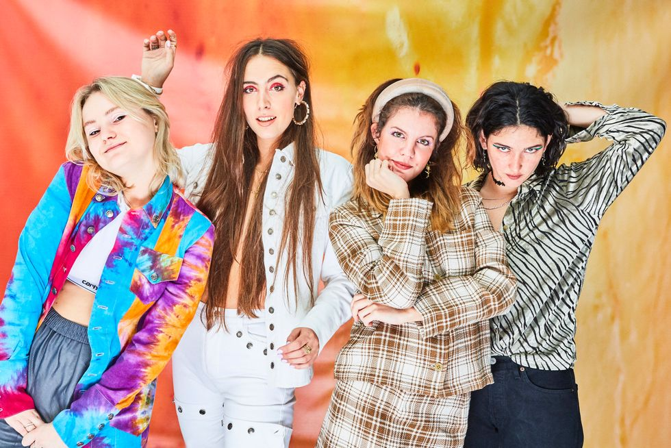 "Hinds Grapple with Loneliness on New Single ""Riding Solo"""