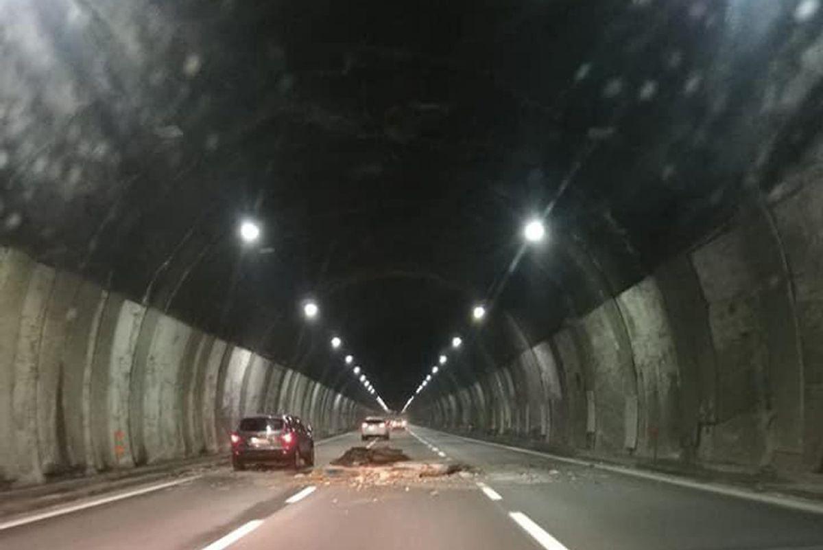 Miracolo di Natale in un tunnel di Autostrade