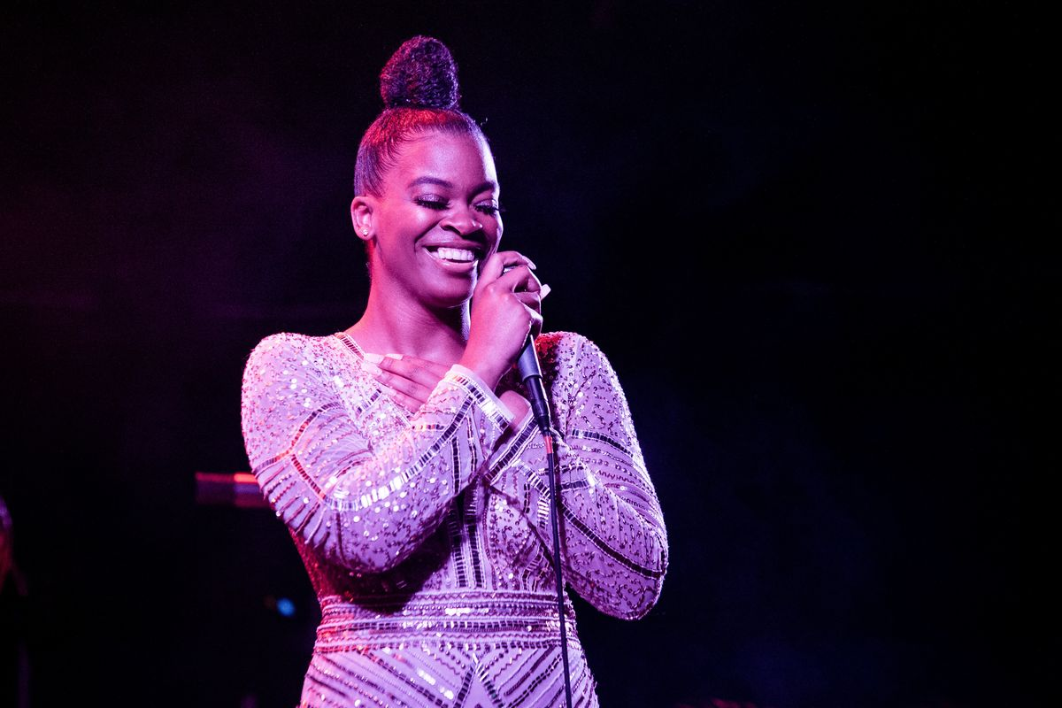 Ari Lennox Responds to Racist Tweet About Her Looks