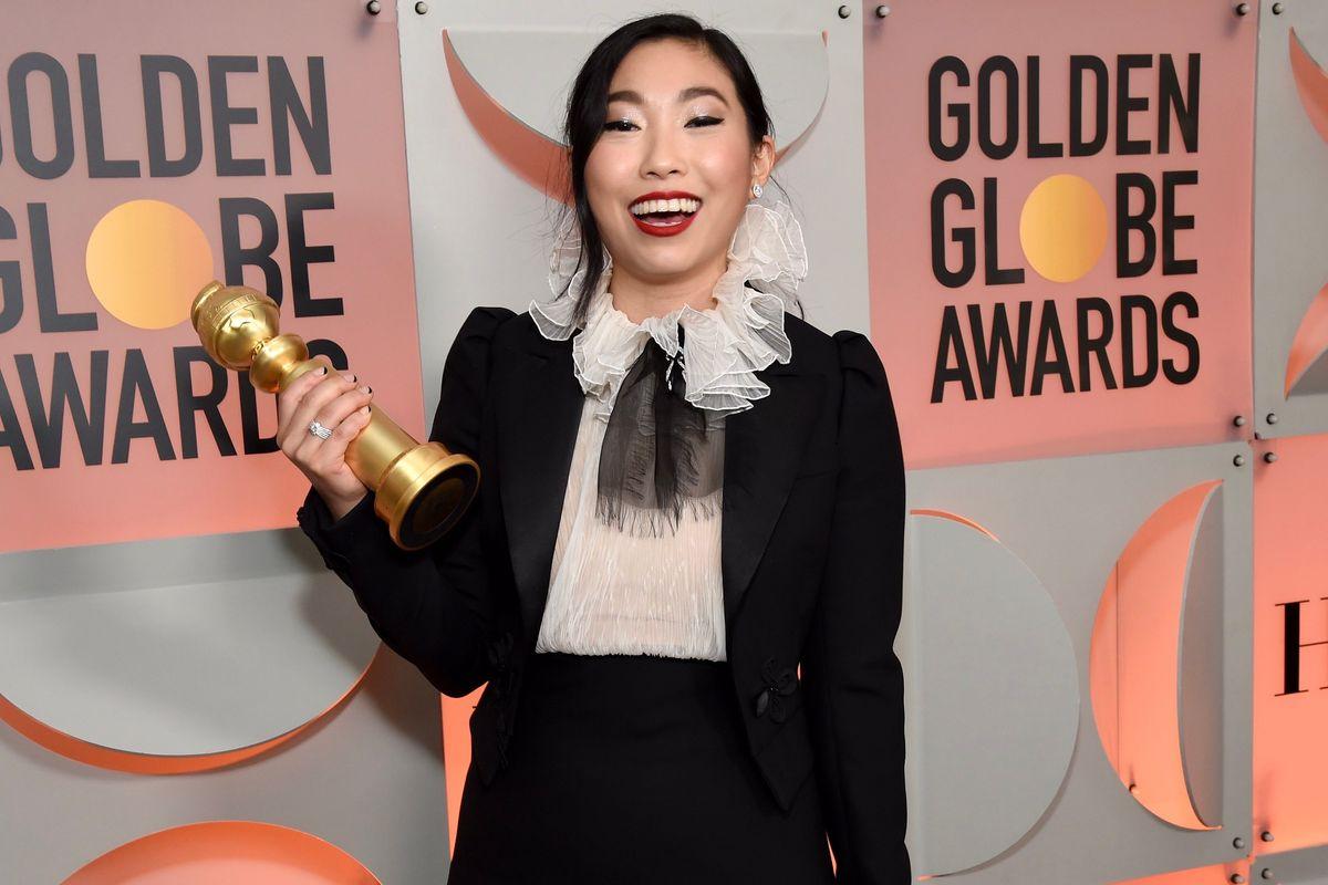 Awkwafina Makes Golden Globes History