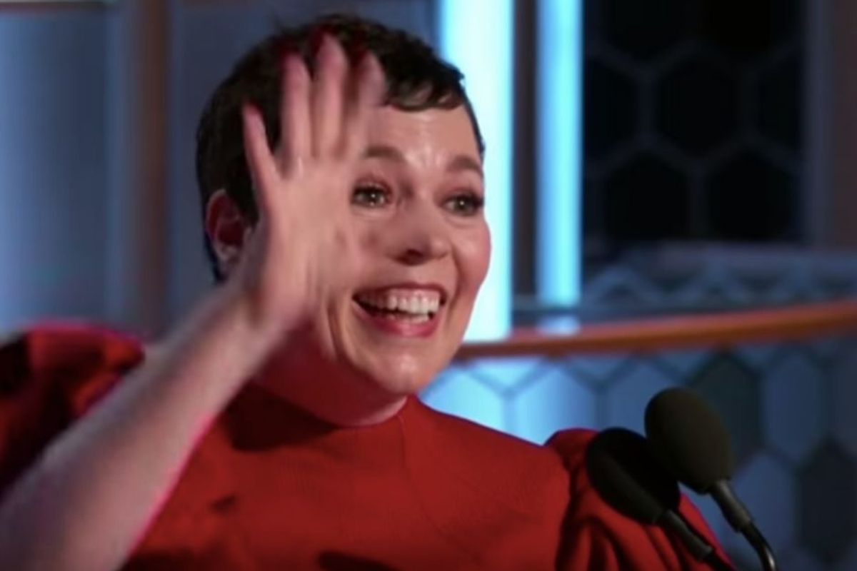 Olivia Colman doesn't seem to realize she's a famous actress, and it's so stinking cute