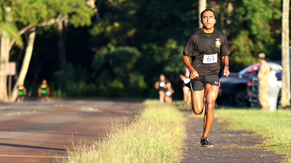 How you train for your PT test distance run should depend on your goal.