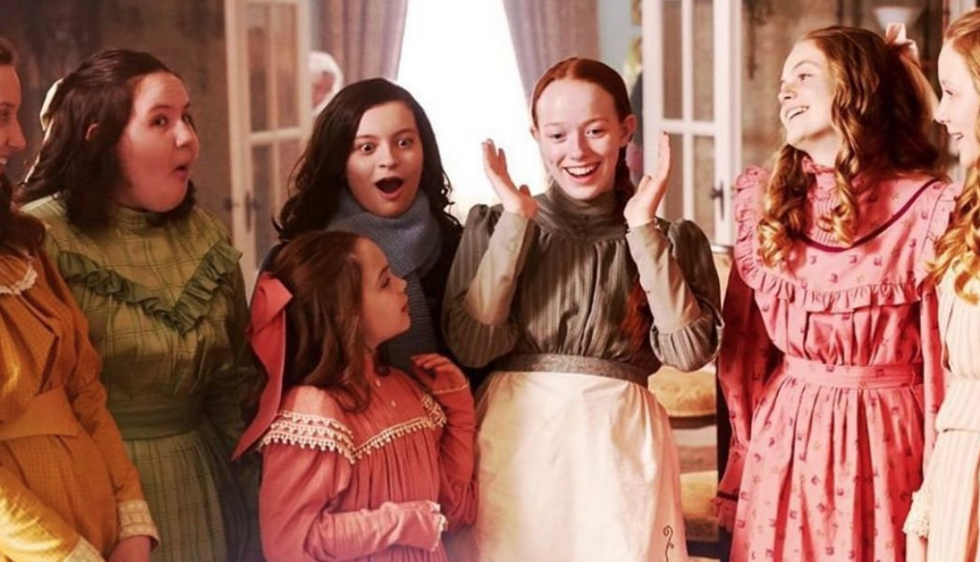 5 Conversations That Will ABSOLUTELY Happen With Extended Family During Holiday Break