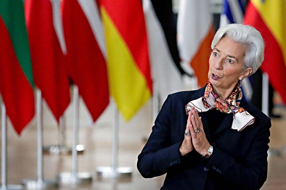 La Bce manda in castigo il governo: «Errore voler limitare il contante»