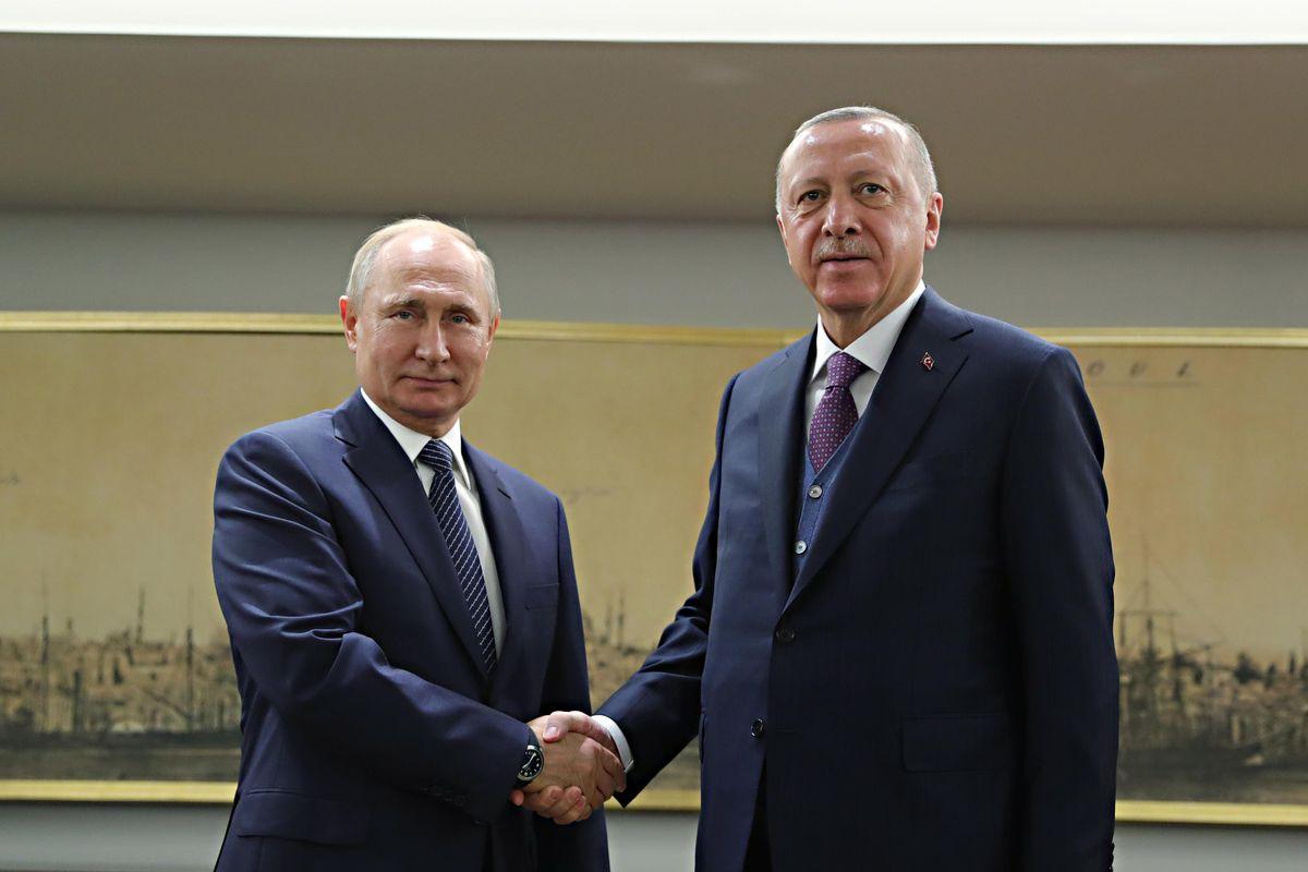 Russia e Turchia chiedono il cessate il fuoco in Libia e danno il via alla spartizione