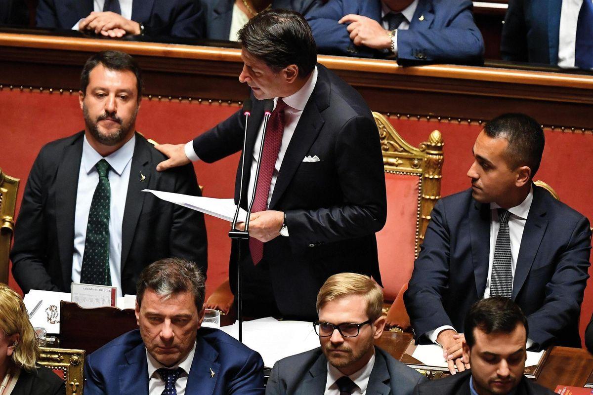 Paura di cadere: il governo rinvia tutto, anche il voto su Salvini