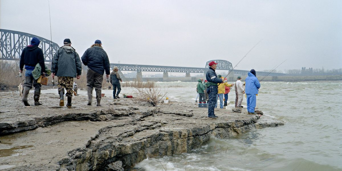 Whose job is it to reduce toxic mercury in the Ohio River?