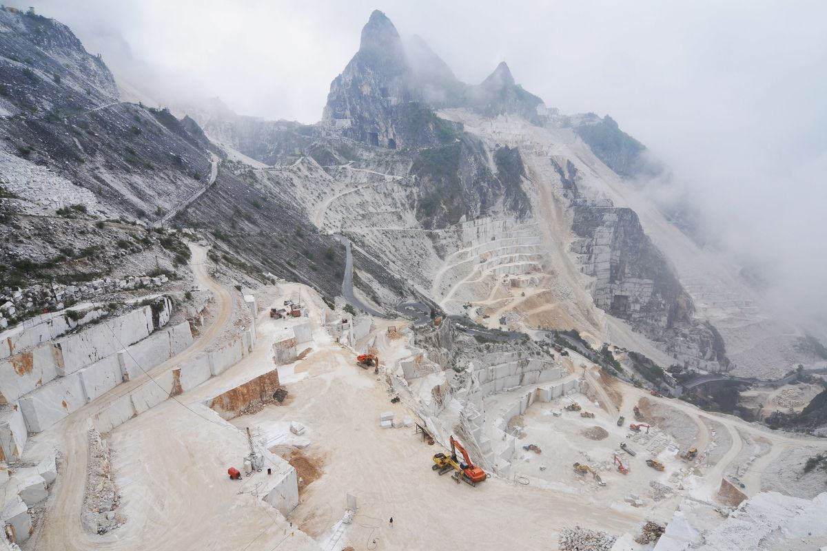 Nascono in Liguria i porti di marmo utilizzando gli scarti di cava di Carrara