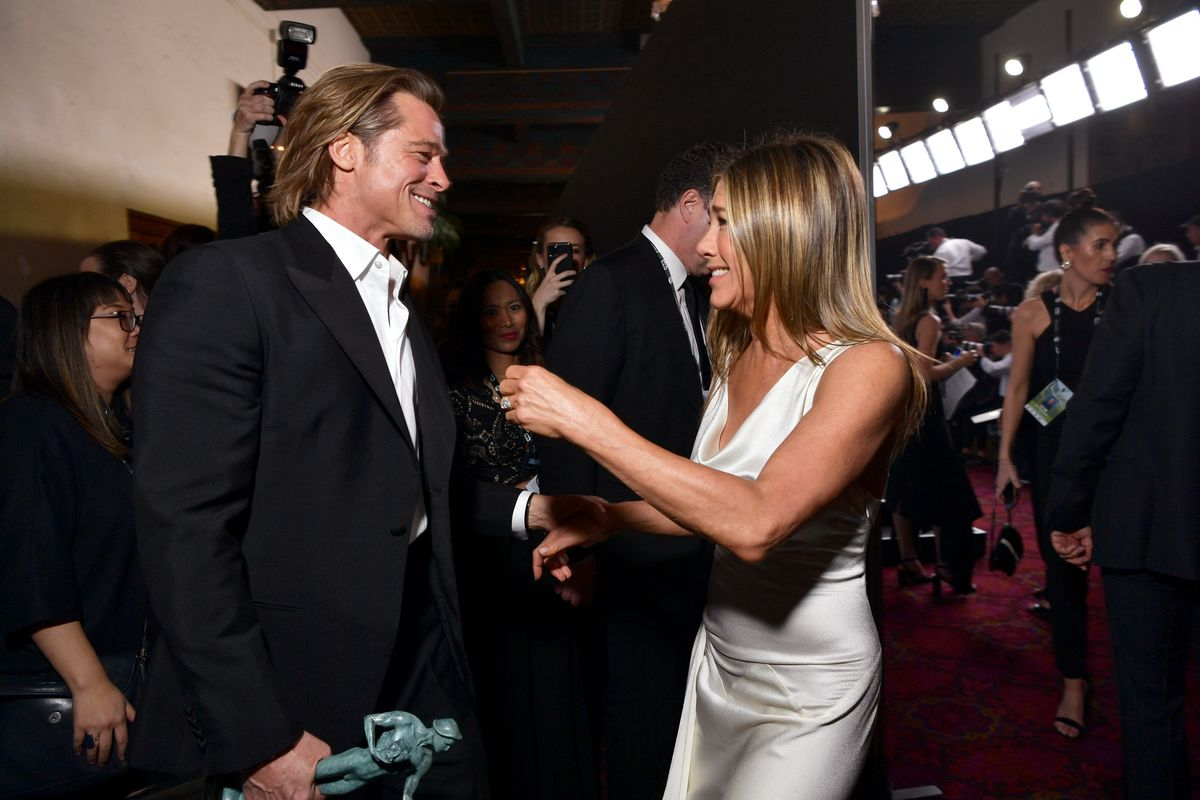 Celebs Are Freaking Out Over Jen and Brad, Too