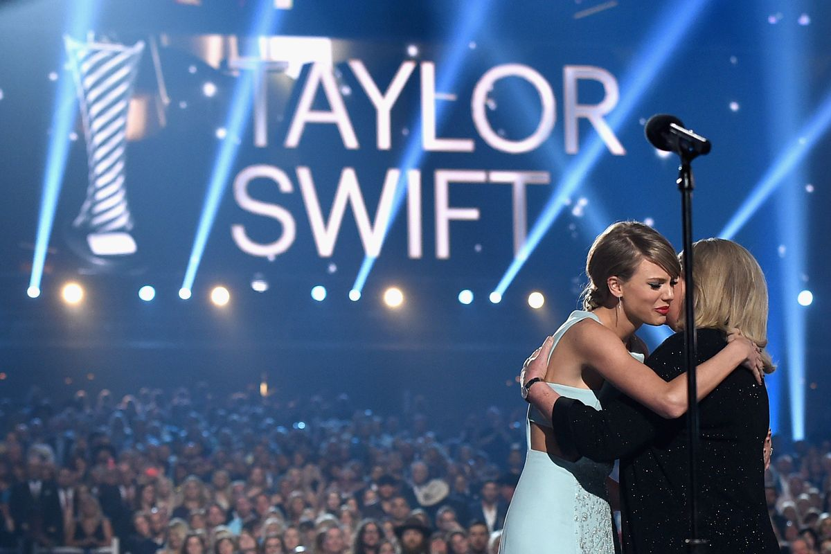 Here's Why Taylor Swift Won't Tour 'Lover'