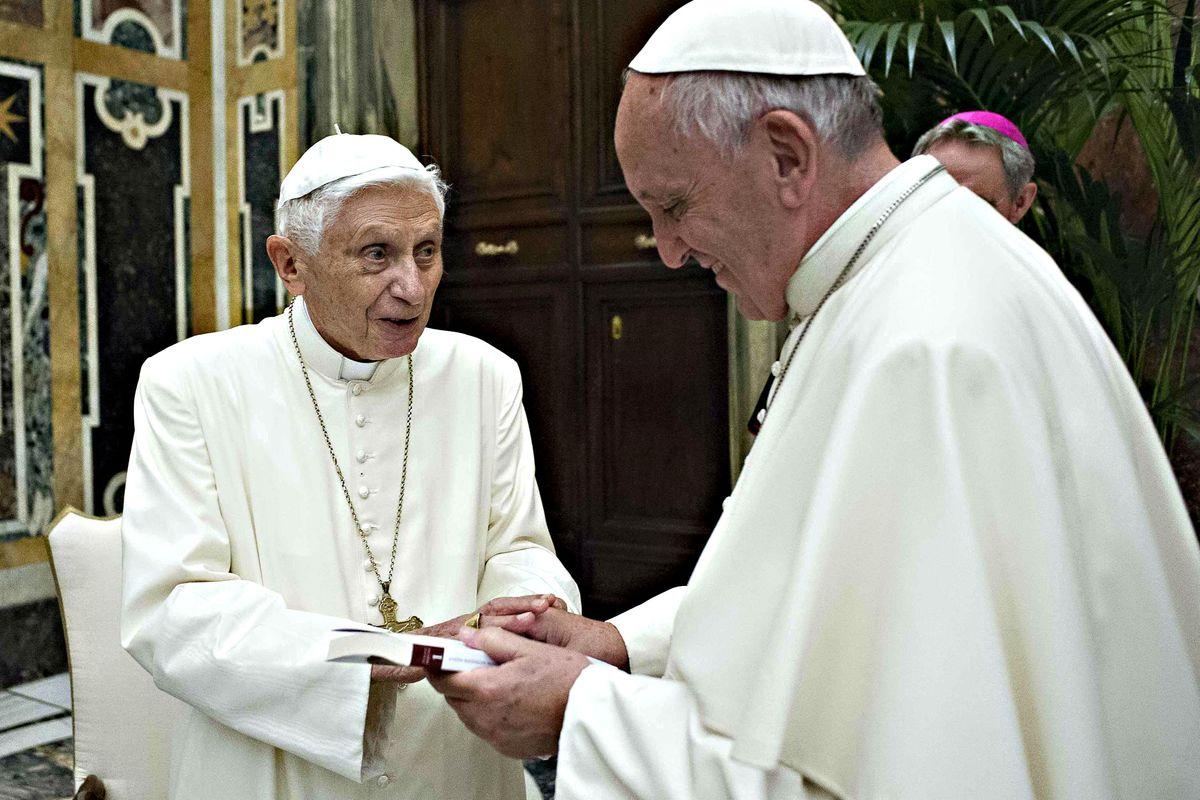 Cantagalli chiude il caso Sarah. «Testi condivisi con Ratzinger»