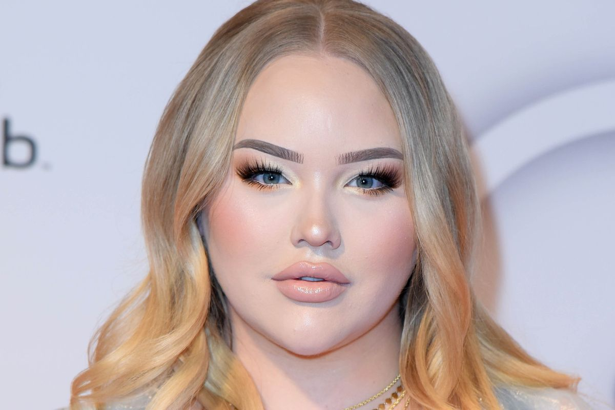 NikkieTutorials Comes Out as Trans
