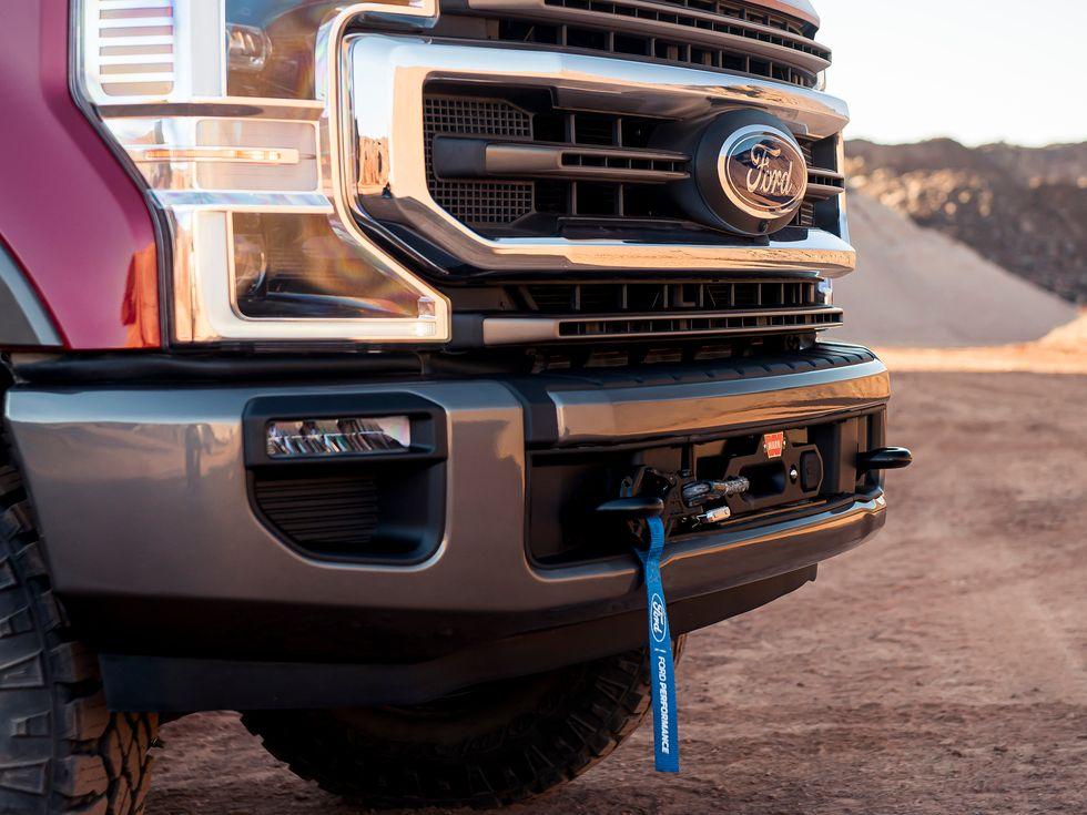 2020 Ford Super Duty Warn Winch