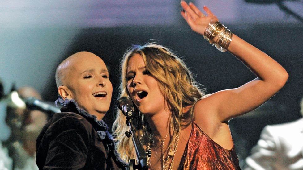 Melissa Etheridge and Joss Stone at the GRAMMY Awards in 2005.