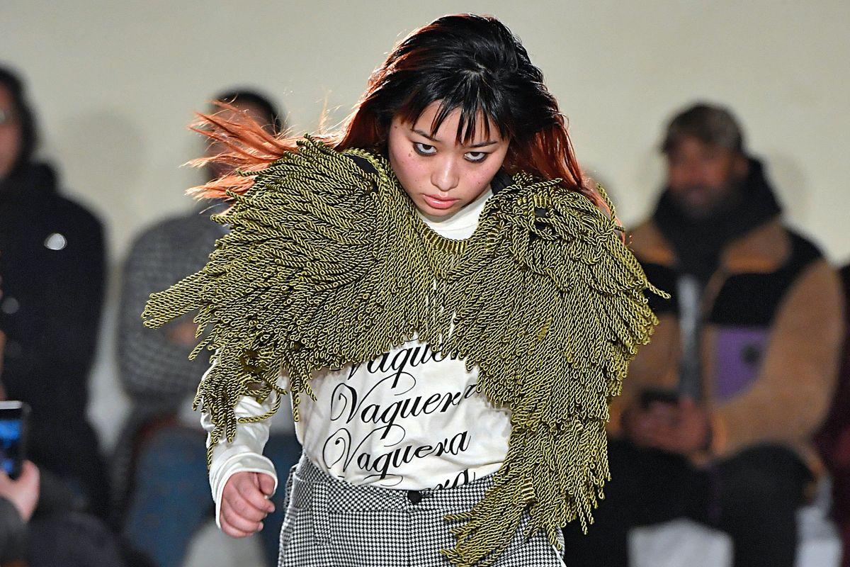 Vaquera Model's Angsty Walk Goes Viral