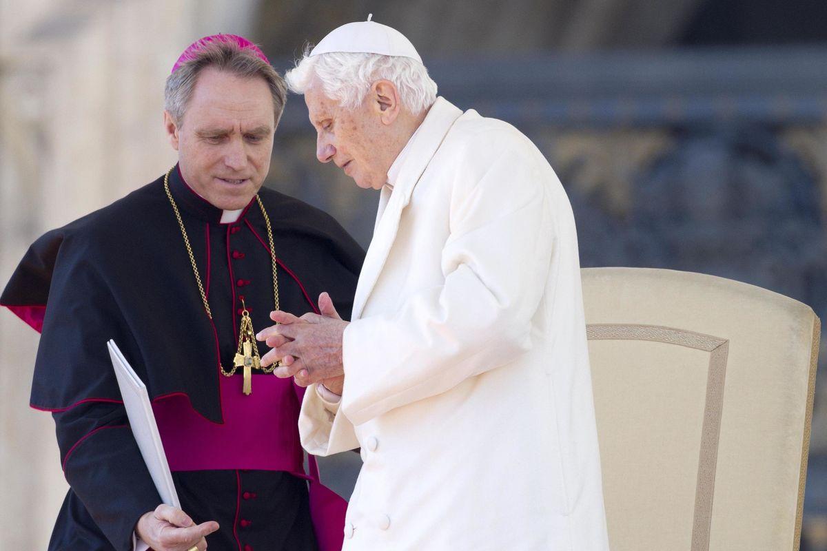 Padre Georg ha isolato il Pontefice emerito