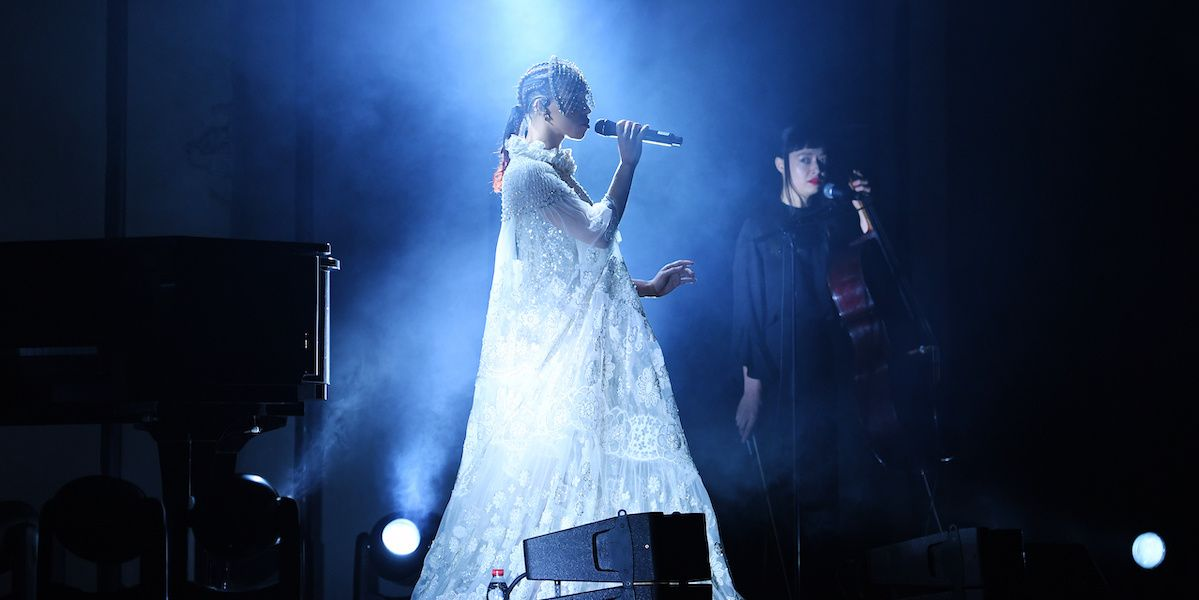 FKA Twigs Gave A Surprise Performance At The Valentino Men's Show