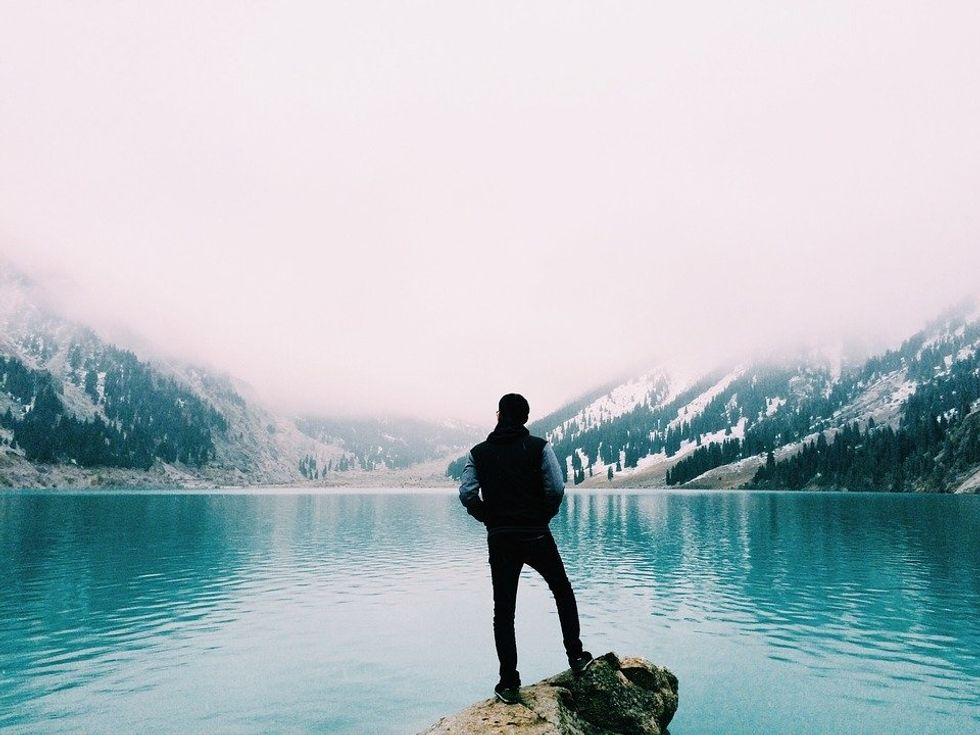 5 Powerful Perks Of Being Alone