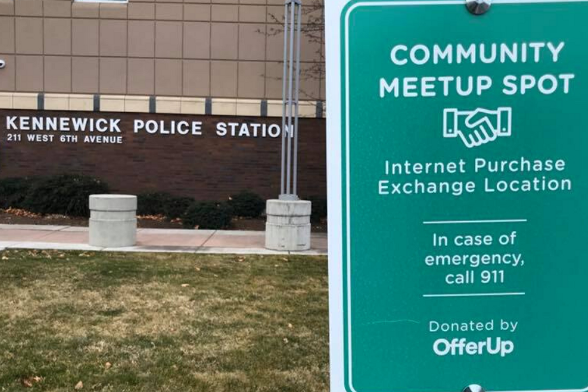 A police department offers its parking lot as a safe meeting spot for online sale exchanges
