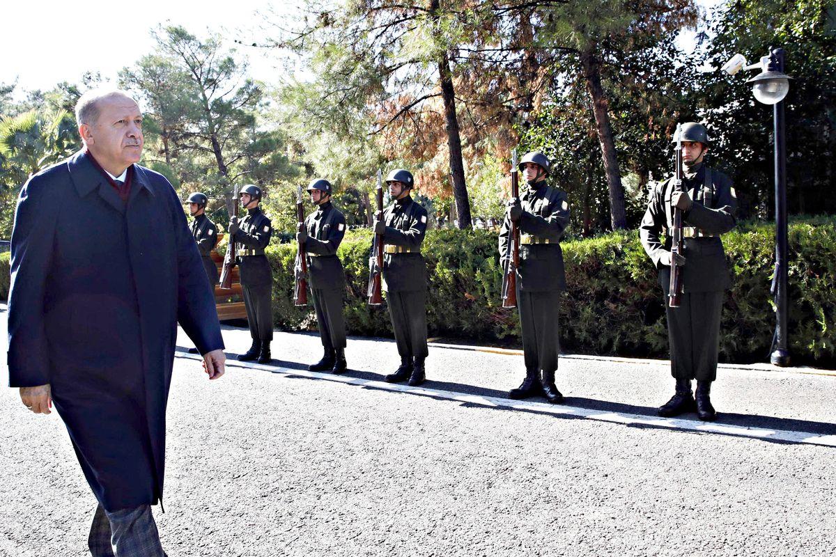 Prima delle truppe Erdogan manda navi davanti alla Libia per trivellare il gas
