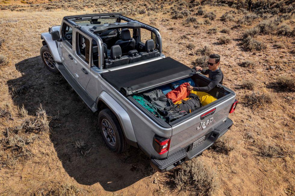 2020 Jeep Gladiator in Billet Silver Metallic