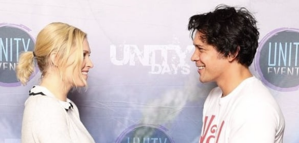 10 Tweets That Prove Bob Morley And Eliza Taylor Are The Cutest Couple Ever