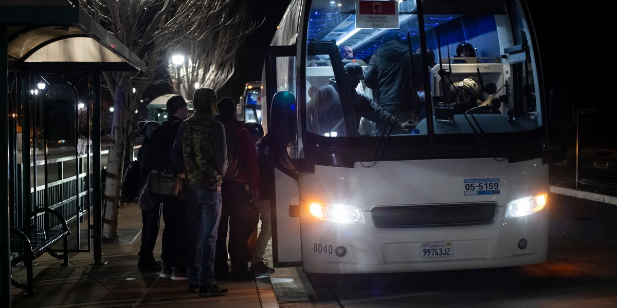 New Silicon Valley extreme: The 2:30 a.m. tech bus from Salida