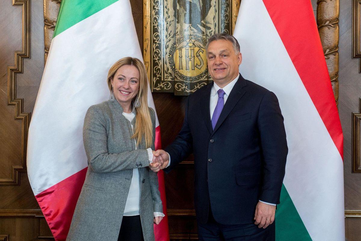 Il centrodestra pasticcia nella corsa a Orbán