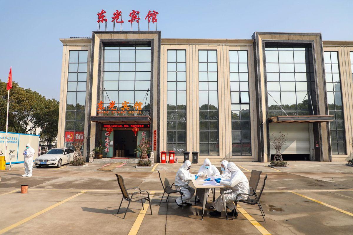 La Cina annuncia una cura per la malattia di Wuhan. L'Oms frena: zero riscontri
