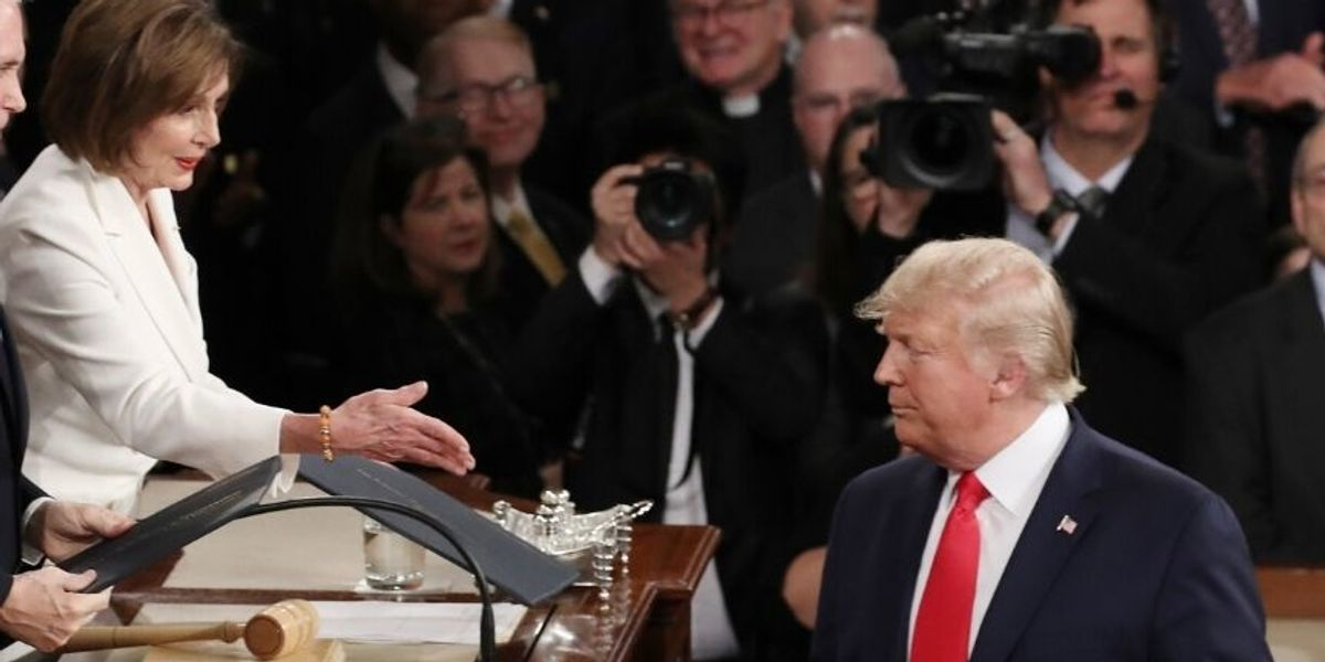 Barack Obama's Former Photographer Expertly Trolls Trump For Snubbing Nancy Pelosi's Handshake At The SOTU