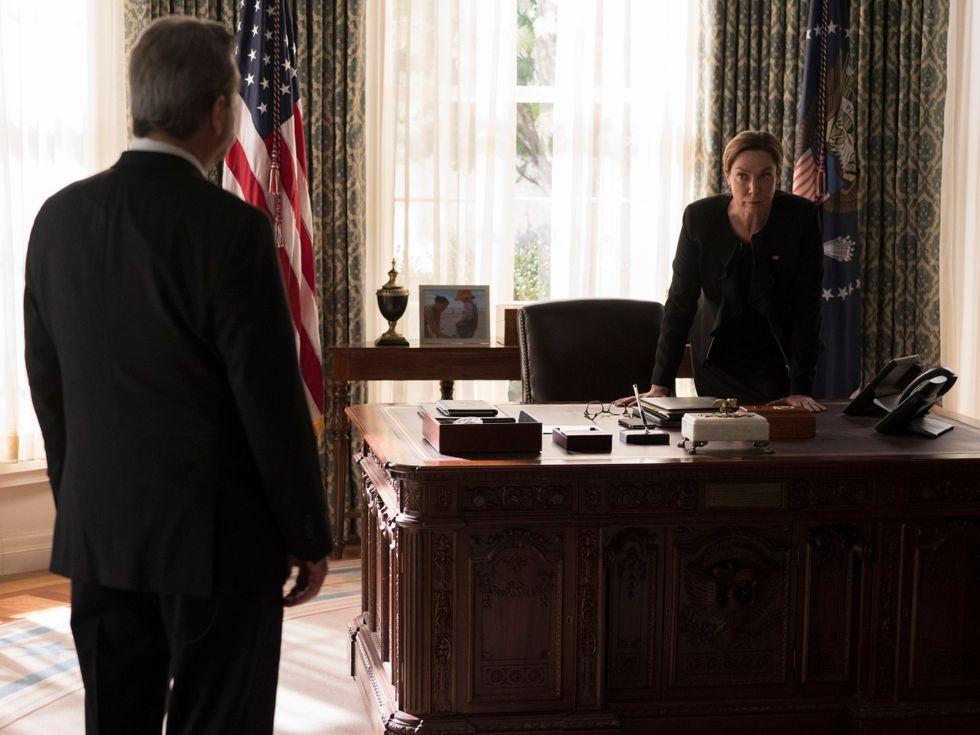 Elizabeth Marvel and Beau Bridges in the oval office on the set of Homeland.