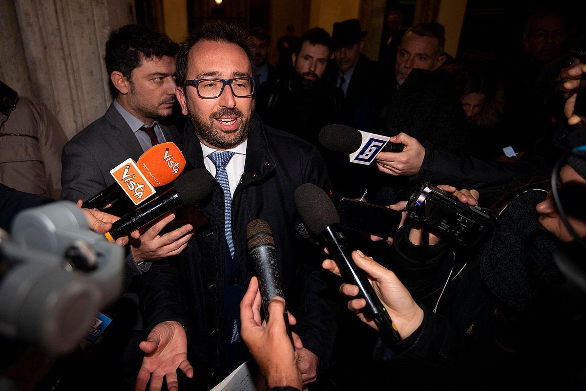 Attentato alla democrazia con il silenzio di Mattarella