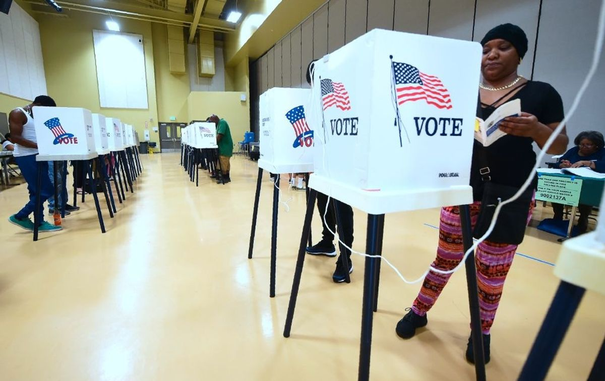 California lawmakers introduce legislation that would require citizens to vote
