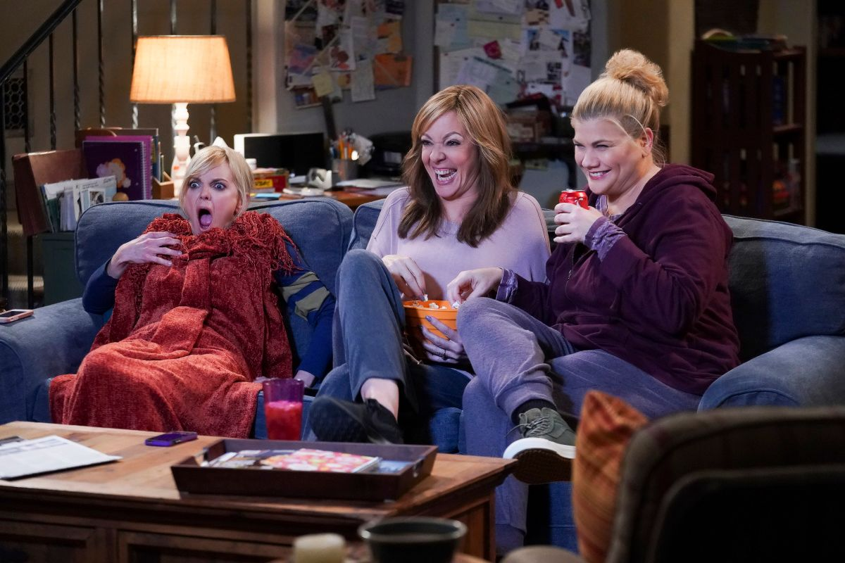Anna Faris, Allison Janney, and Kristen Johnston on the set of TV show Mom.