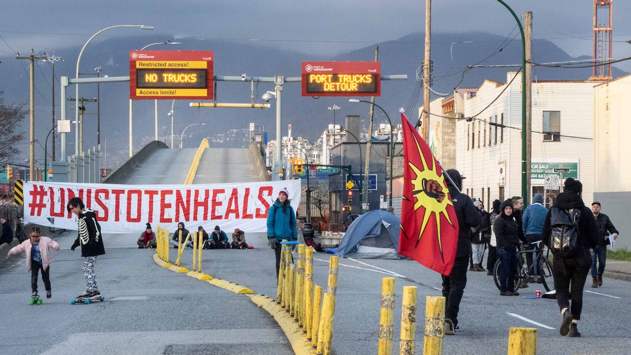 Climate Justice, Indigenous Rights Advocates Rally for Wet'suwet'en People as Canadian Police Continue Raids