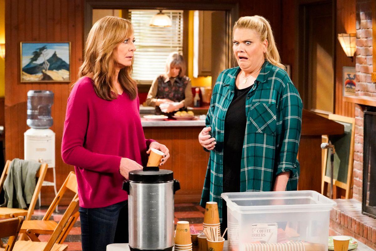 Allison Janney and Kristen Johnston on the set of TV show Mom.