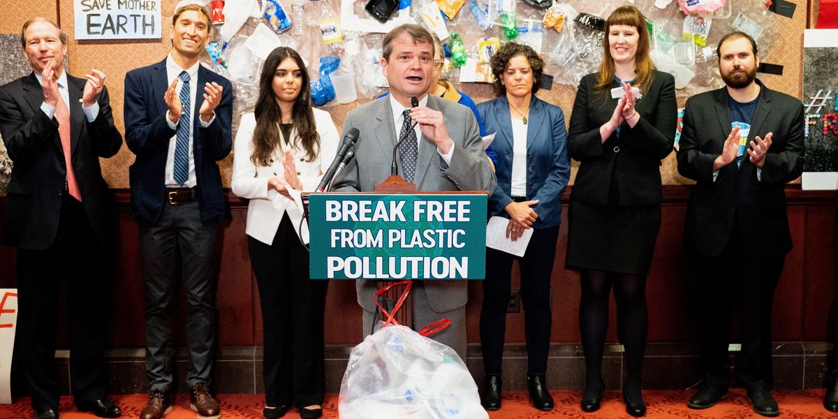 Groundbreaking Legislation Would Help U.S. 'Break Free from Plastic'