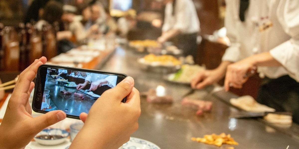 Japanese Teppanyaki Restaurant-Goer Horrifies The Internet With Tale Of Puking On The Chef's Grill