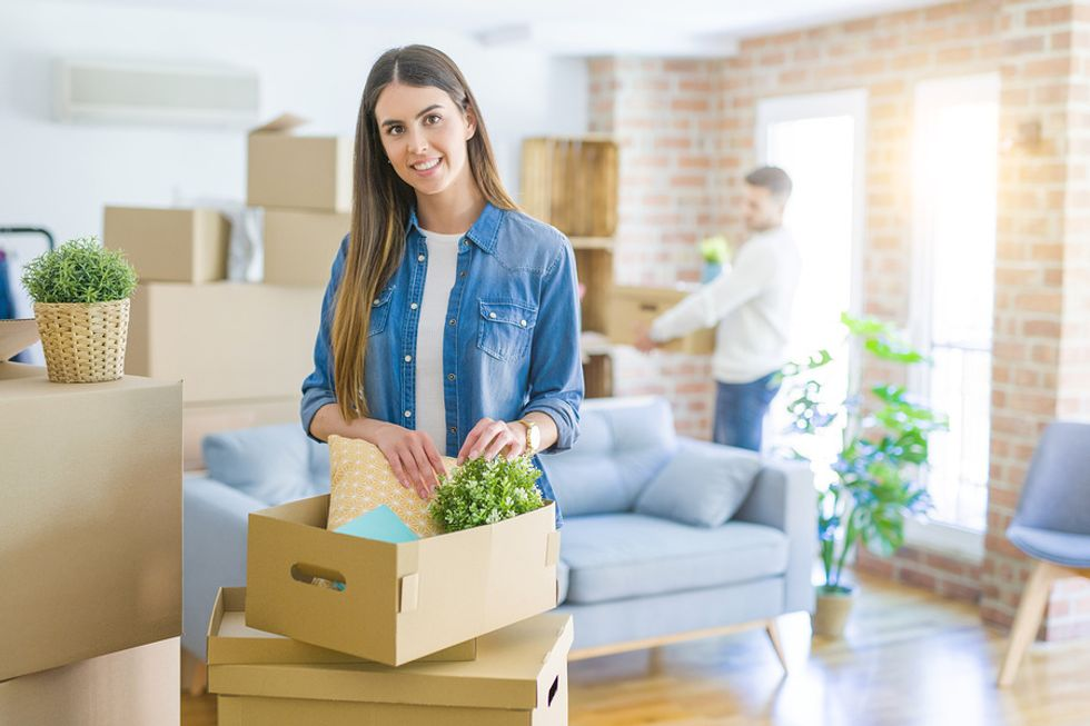 Professionals moving after their long-distance job search