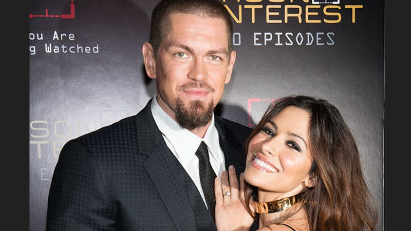 Steve Howey and wife Sarah Shahi.