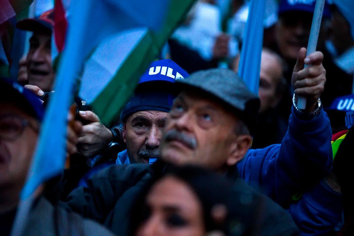 Pensionati. Le 7 bastonate subite dal governo Monti a oggi