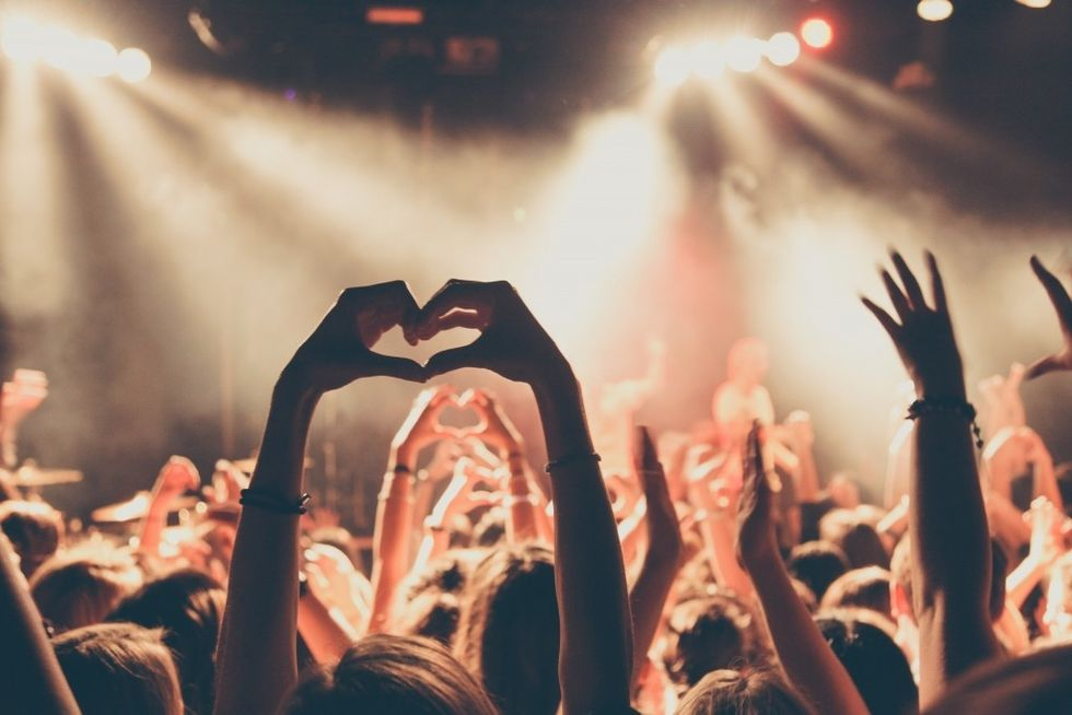 I'm A 'Tech-Obsessed Millennial', But I Still Survived A Six-Hour, Phone-Free Concert