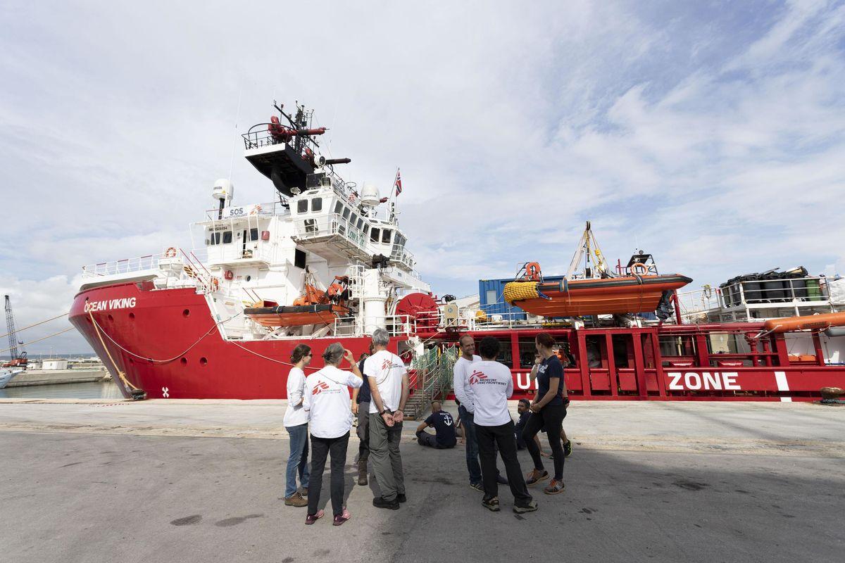 A urne chiuse aprono i porti: 403 africani verso Taranto