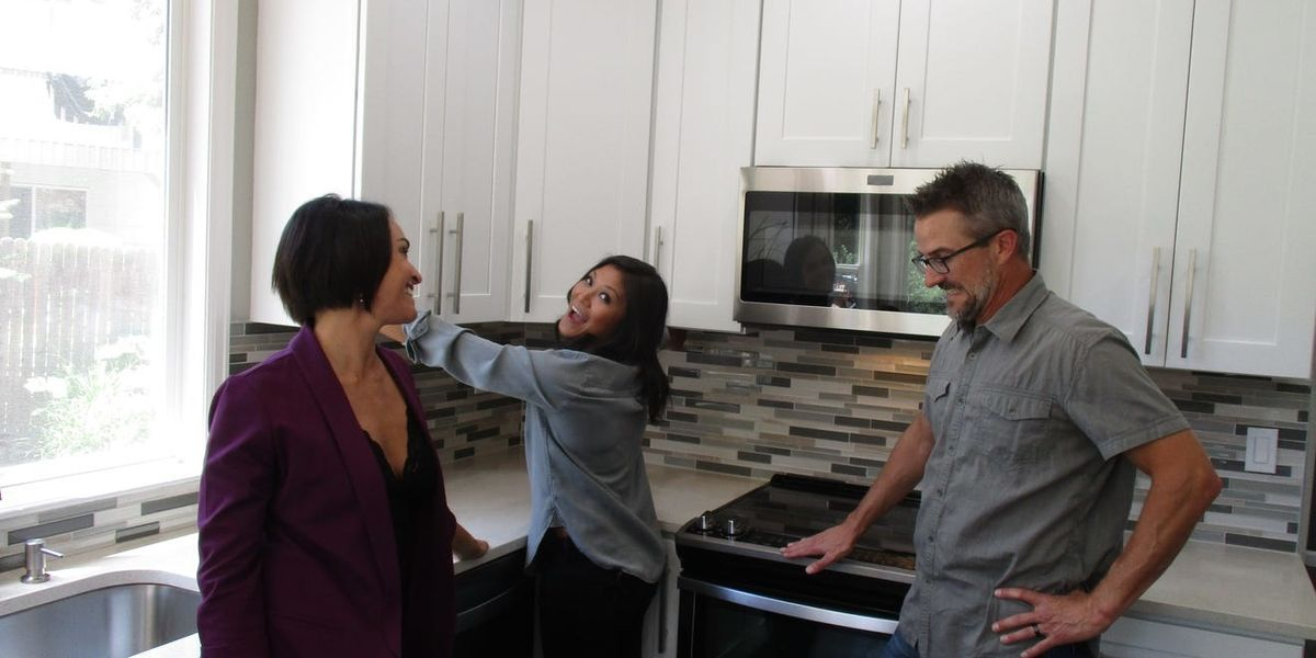 'House Hunters' Featured Its First Throuple, and We Love That