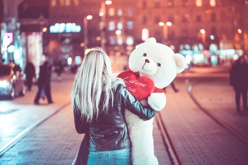 5 Types Of Couples We've All Seen On Valentine's Day