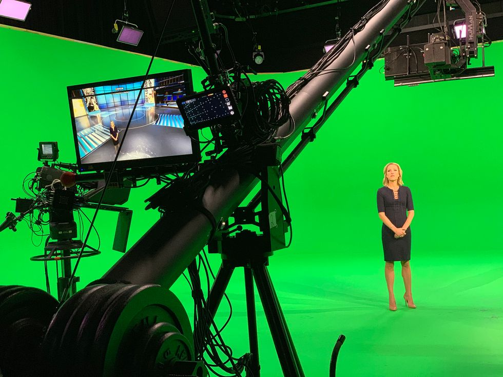 Fox Sports green screen Lindsay Czarniak