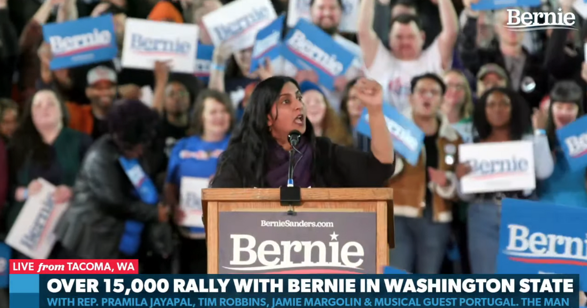 VIDEO: Surrogate at Bernie Sanders rally exclaims 'we need a powerful socialist movement to end all capitalist oppression!' to thunderous applause