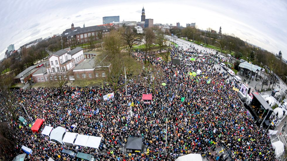 60,000-Strong Fridays for Future Protest in Hamburg, ...
