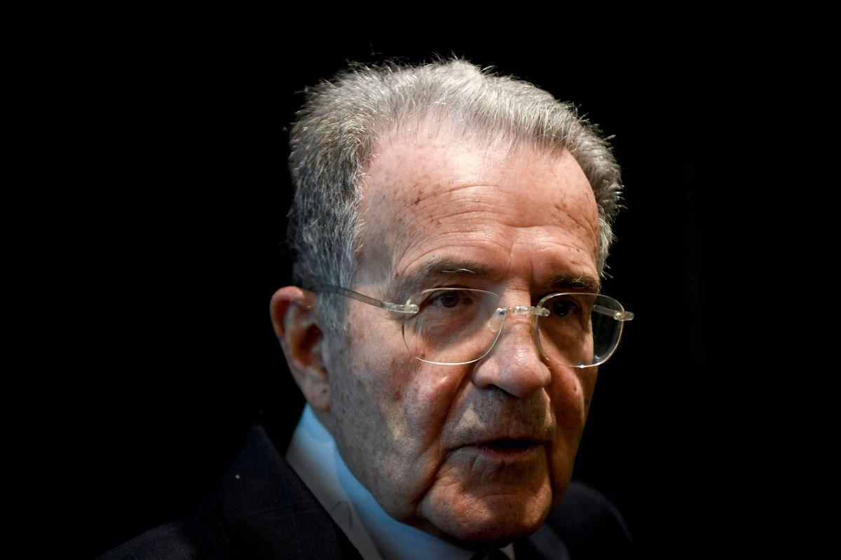 Prodi si sente già al Colle e sposa l'Italia con la Cina «Uniti in corpo e anima»