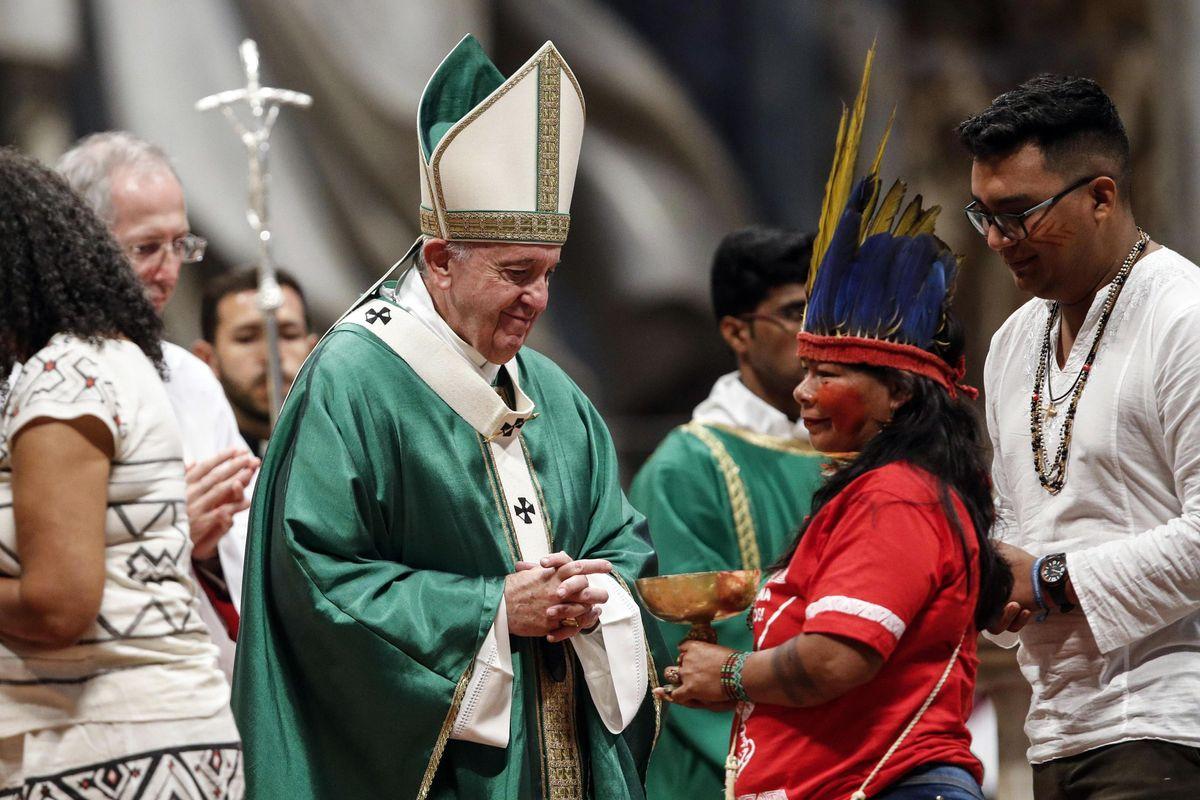Sui preti sposati Francesco infrange i sogni progressisti